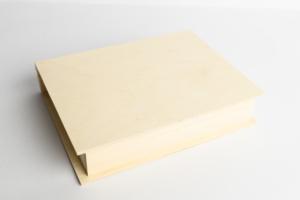 Krabička ve tvaru knihy