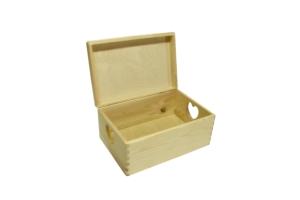 Dřevěná krabice s víkem srdce